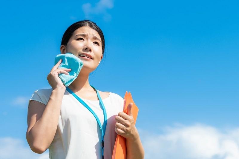 頭や顔の汗を止める対策や汗を改善する方法などの口コミ!